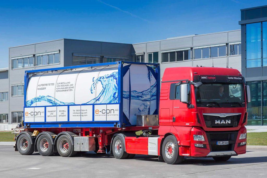 Demineralised water lorry