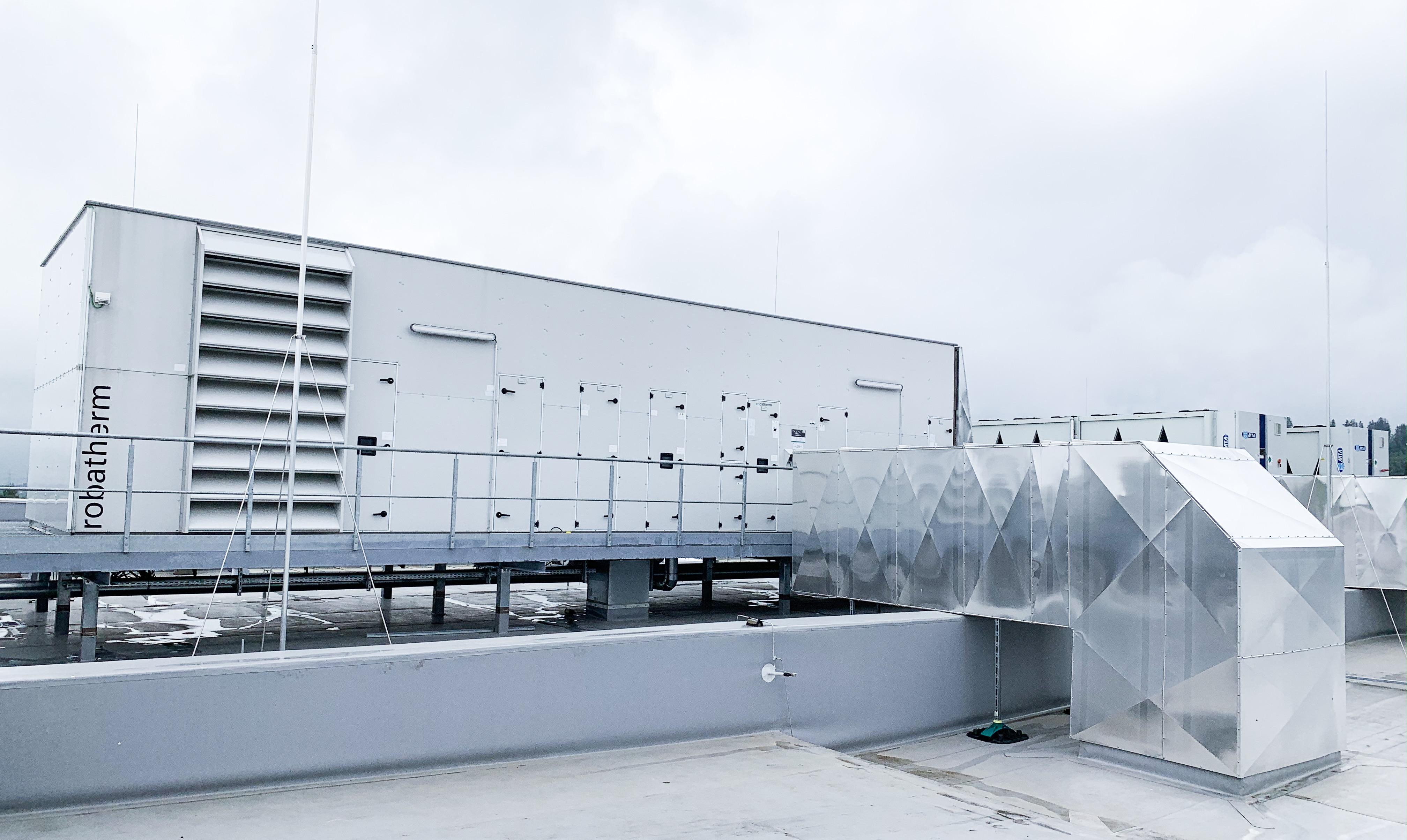 Lüftungsanlage auf dem Dach der Multivac Sepp Haggenmüller SE & Co. KG